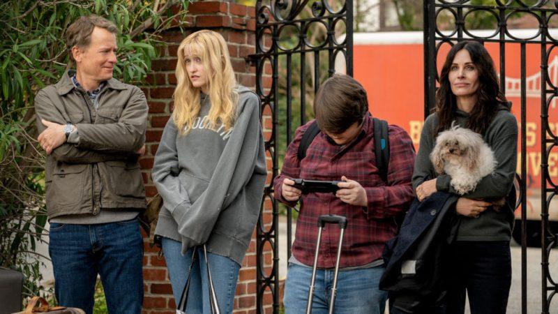 Starz commande la comédie d'horreur « Shining Vale » avec Courteney Cox, Greg Kinnear et Mira Sorvino en série