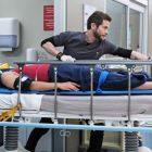 Aperçu de `` The Resident '': Une nouvelle tradition d'employé débarque un sauveteur à l'hôpital (VIDEO)