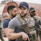 Max Thieriot de l'équipe SEAL sur le plus grand doute de Clay, la relation avec Stella et la réalisation