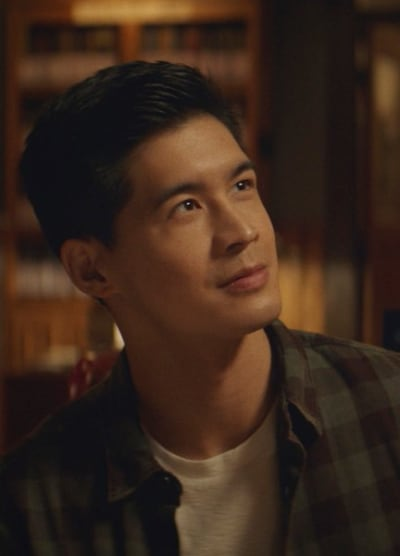 Henry in Library - Kung Fu Saison 1 Episode 3