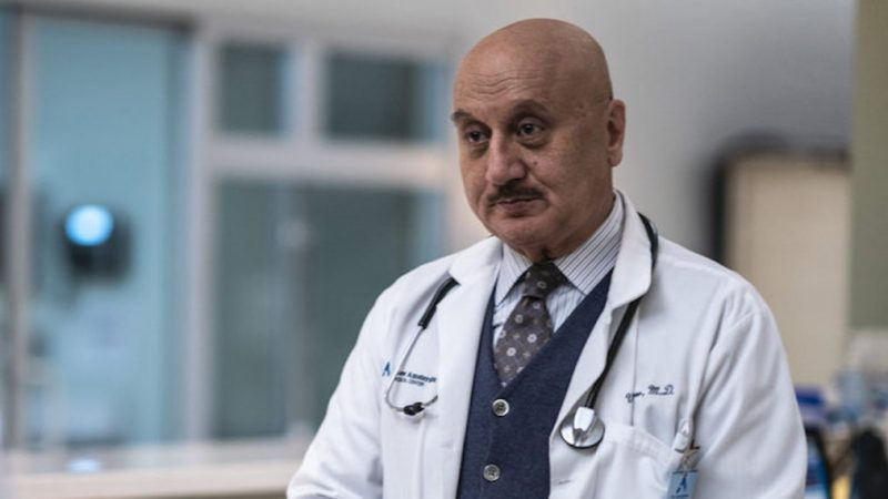 Anupam Kher s'exprime sur la sortie de « New Amsterdam » au milieu de la bataille de santé de sa femme