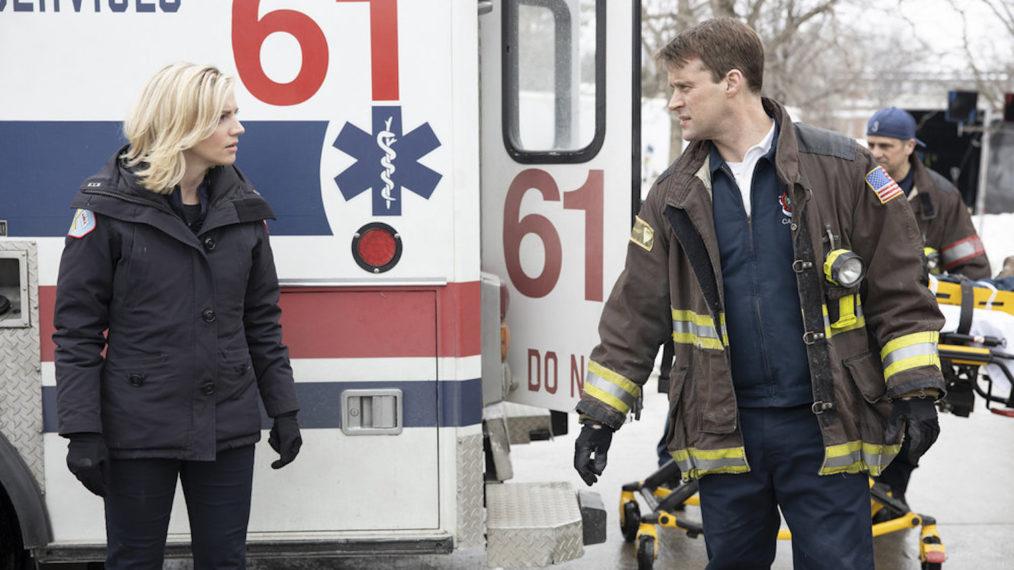 «Chicago Fire» devrait-il aller de pair avec Casey et Brett ou abandonner complètement cette possible romance?  (SONDAGE)