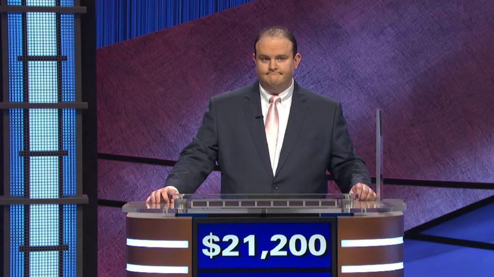 Ancien «Jeopardy!»  Les concurrents font part de leurs inquiétudes après que le joueur semble utiliser le signe de puissance blanc