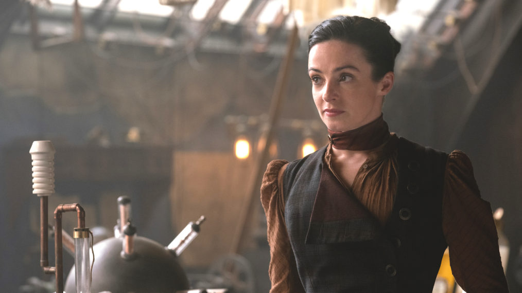 La star de « The Nevers » Laura Donnelly appelle le nouveau HBO Thrill Ride « Batman Crossed With Sherlock Holmes »