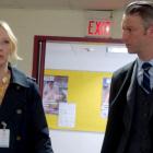 Law & Order: Carisi et Rollins de SVU sortent ensemble!  (Ou du moins, c'est ce que pense son père) - Regarder la vidéo
