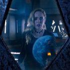 L'équipe Legends se prépare à sauver Sara des extraterrestres lors de la promotion de la première saison 6