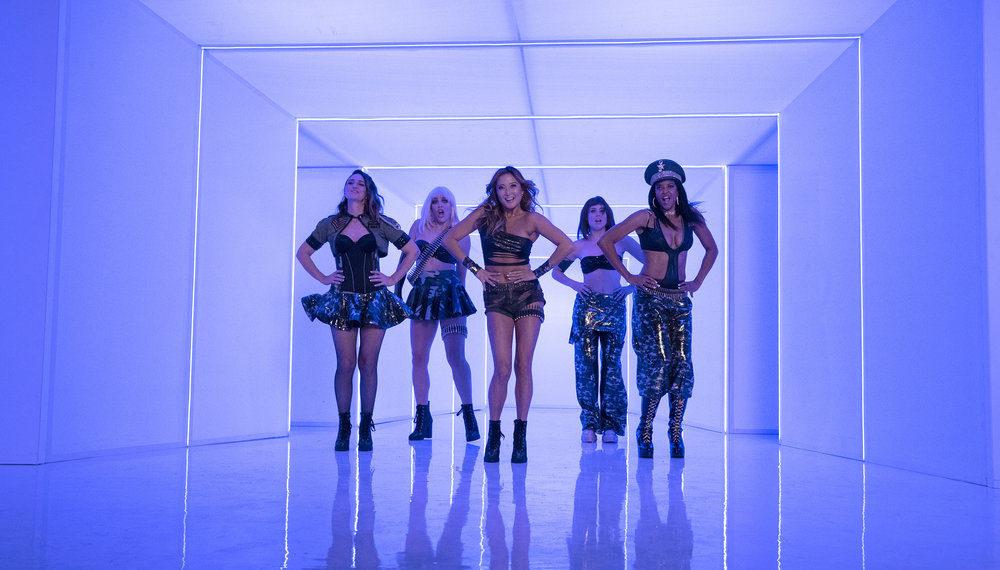 5 raisons pour lesquelles 'Girls5eva' est déjà en rotation lourde dans le 'TRL' de nos cœurs (VIDEO)