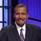 Comment Bill Whitaker fait-il en tant que «Jeopardy!»  Invité?  (SONDAGE)