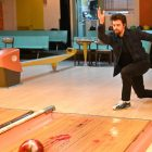 'Prodigal Son': Christian Borle révèle un changement majeur dans la scène de Malcolm et Pete dans le bowling