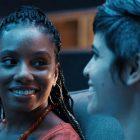 Imani Hakim de Mythic Quest présente une saison 2 qui répond aux LGBTQ de Dana et Rachel `` vont-ils / ne veulent-ils pas ''