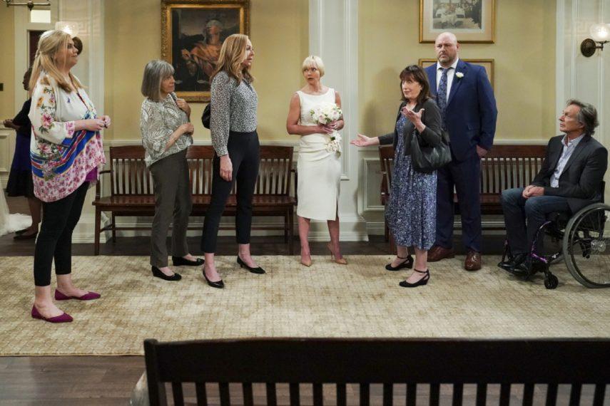 Mom Cast Saison 8 Finale CBS