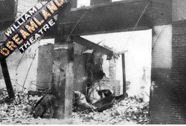Alfre Woodard, LeBron James et d'autres rendent hommage à Black Wall Street 100 ans après le massacre de Tulsa – 4 documents à surveiller