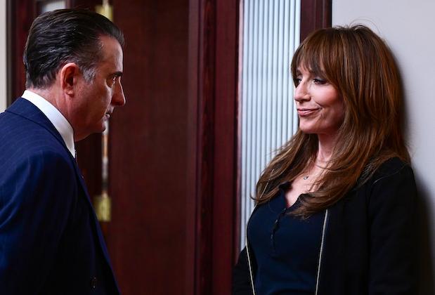 La patronne de Grey's / Station 19 Krista Vernoff déchire ABC sur l'annulation brusque de Rebel: « Vous leur donnez 3 émissions, ils vous donnent 5 épisodes »
