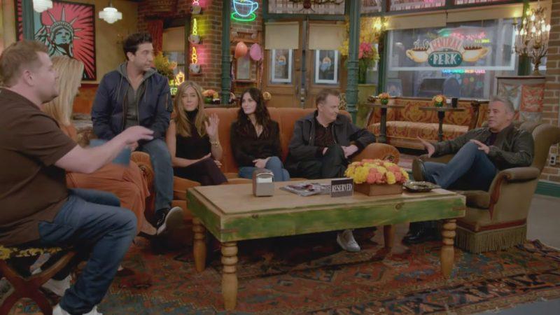 Regardez les stars de 'Friends' faire du karaoké de covoiturage avec James Corden (VIDEO)