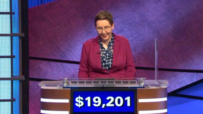 'Péril!'  La candidate choque les fans en prédisant son gain en dollars