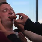 """""""Je pense que vous devriez partir"""" devient encore plus ridicule dans la bande-annonce de la saison 2 de Star-Studded (VIDEO)"""