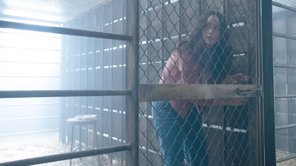 Rebecca Breeds taquine Starling 'Goes Rogue' dans la finale de 'Clarice'