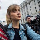 L'actrice de 'Smallville' Allison Mack condamnée à 3 ans de prison dans l'affaire NXIVM Sex Cult