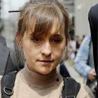 Allison Mack, vétérinaire de Smallville, condamnée à 3 ans de prison pour son rôle dans le culte du sexe de NXIVM