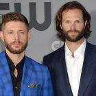 Jared Padalecki était-il vraiment aveugle / «éviscéré» par Supernatural Spinoff News de Jensen Ackles?  Ou est-ce juste une blague ?