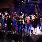 "Jimmy Fallon et Lin-Manuel Miranda's Broadway Star-Studded Spin sur ""You'll Be Back"" mérite un O permanent"