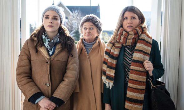 Par ici : Saison 2 ;  Hulu révèle la date de retour de la série dramatique (regarder)