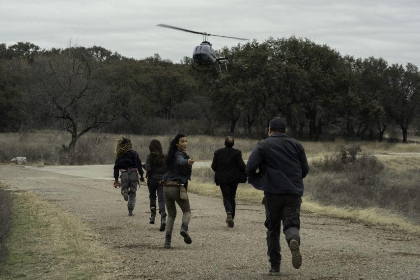 Fear the Walking Dead Saison 6 Finale CRM Hélicoptère