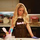 """Bande-annonce """"Cooking With Paris"""": découvrez qui rejoint Paris Hilton dans la cuisine (VIDEO)"""
