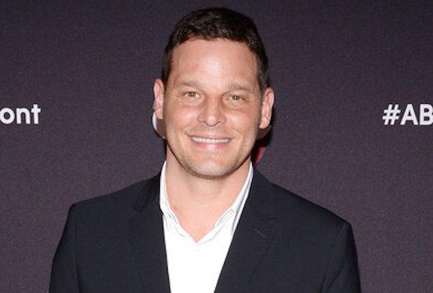 Justin Chambers, vétérinaire de Grey's Anatomy, fera un retour à la télévision dans le rôle de Marlon Brando dans la série limitée Paramount+