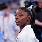 Simone Biles se retire des finales olympiques par équipe de gymnastique