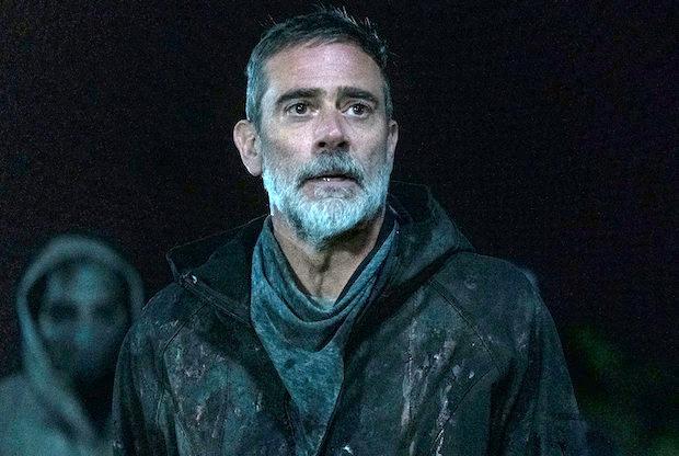 The Walking Dead laisse tomber la première photo de Laila Robins en tant que nouveau gouverneur – De plus, le dernier teaser a effrayé Negan