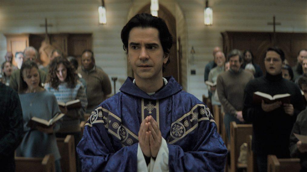 Messe de minuit Hamish Linklater Saison 1 Netflix