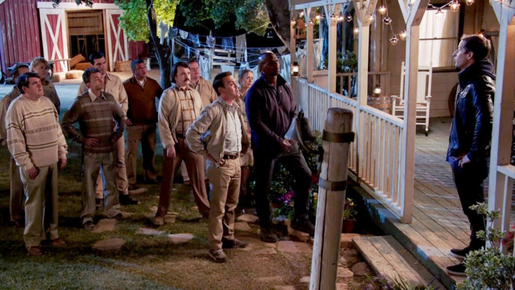 Joe Lo Truglio comme Charles Boyle, Terry Crews comme Terry Jeffords, Andy Samberg comme Jake Peralta