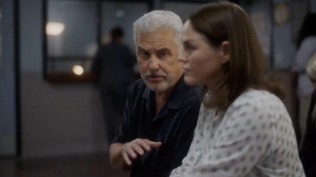 Bande-annonce 'CSI: Vegas' : Gil et Sara font face à un cauchemar à leur retour au Crime Lab (VIDEO)