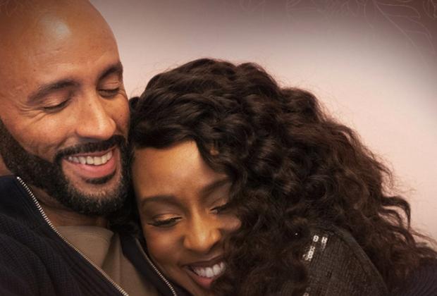 Karen et Aaron de Sistas devraient-ils se marier ?  L'obsidienne ébène pèse