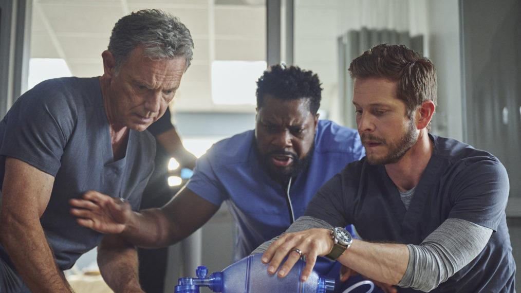 « The Resident » est confronté à une « vraie bombe à retardement » lors de la première de la saison 5 (VIDEO)