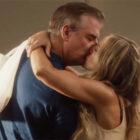 Sex and the City : Carrie et Mr. Big partagent un baiser dans les premières images de HBO Max Revival et juste comme ça