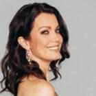 """La star de """"Prodigal Son"""" Bellamy Young rejoint """"Promised Land"""" d'ABC en tant que série régulière"""