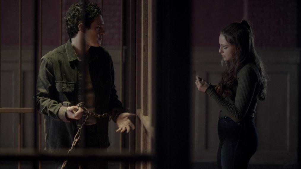 Aria Shahghasemi dans le rôle de Malivore, Danielle Rose Russell dans le rôle de Hope in Legacies