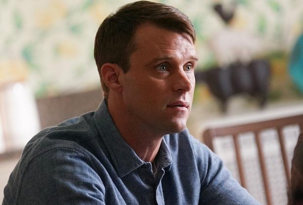 Chicago Fire Boss donne un aperçu du départ potentiel de Casey dans le 200e épisode: il est dans une «situation sans issue»
