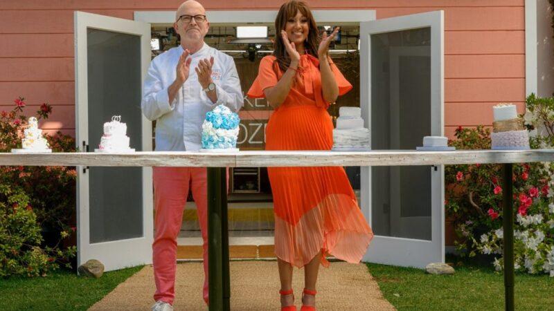 Les hôtes de «Baker's Dozen» Tamera Mowry-Housley et Bill Yosses entrent dans leur série Sweet Hulu