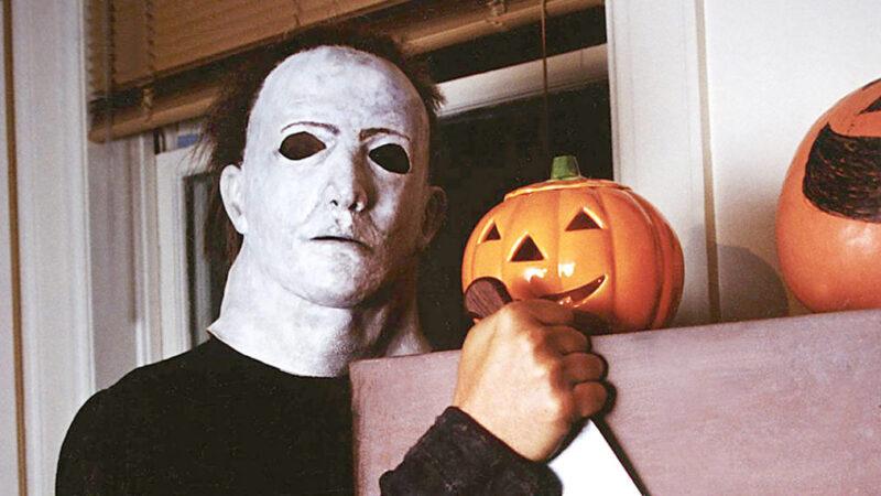 Friandises d'Halloween dans «Derrière les monstres» et comédies ABC, «Wonder Years» fait du camping, «Survivor» après la fusion