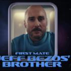 SNL: Luke Wilson rejoint frère Owen pour parodier Star Trek et Jeff Bezos 'Crise de la quarantaine des proportions cosmiques' - Regardez