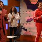 Vidéo SNL: Les survêtements de Jason Sudeikis se rallient à «What Up With That?»  — Avec Oscar Isaac et 'Cousin Greg'